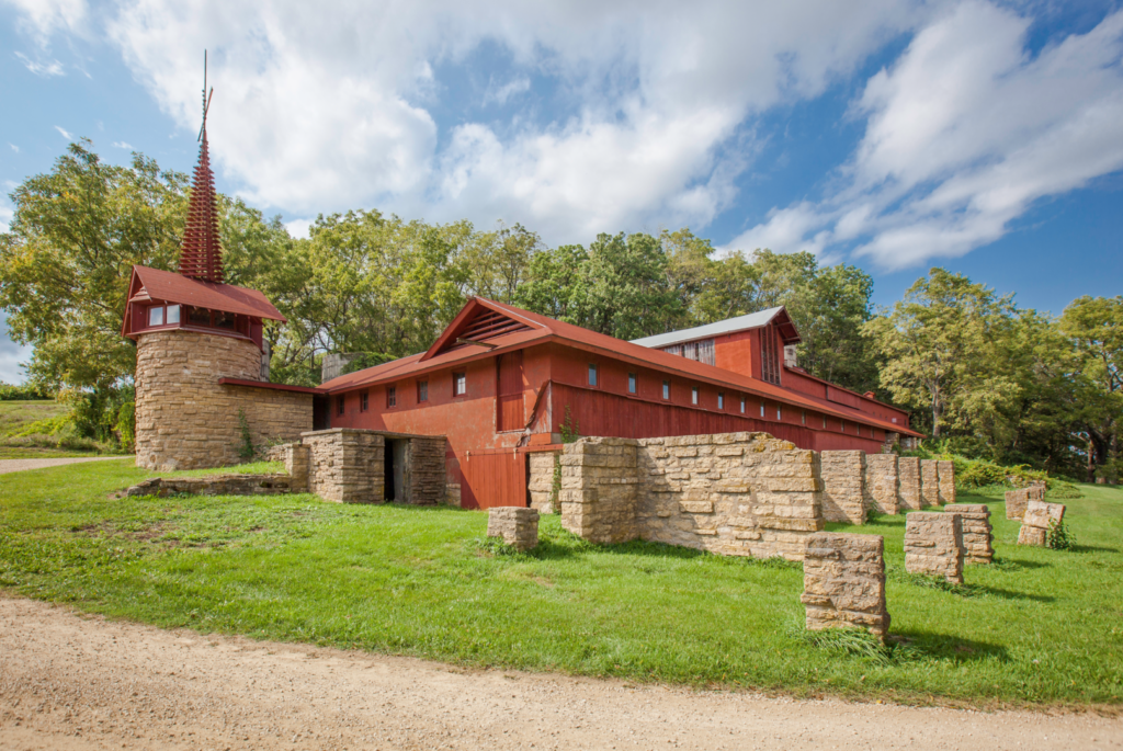 Taliesin Wi Tours